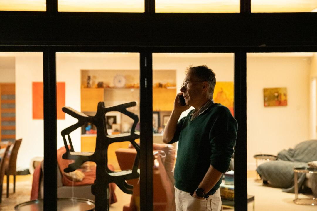 Guido Imbens receiving phone calls