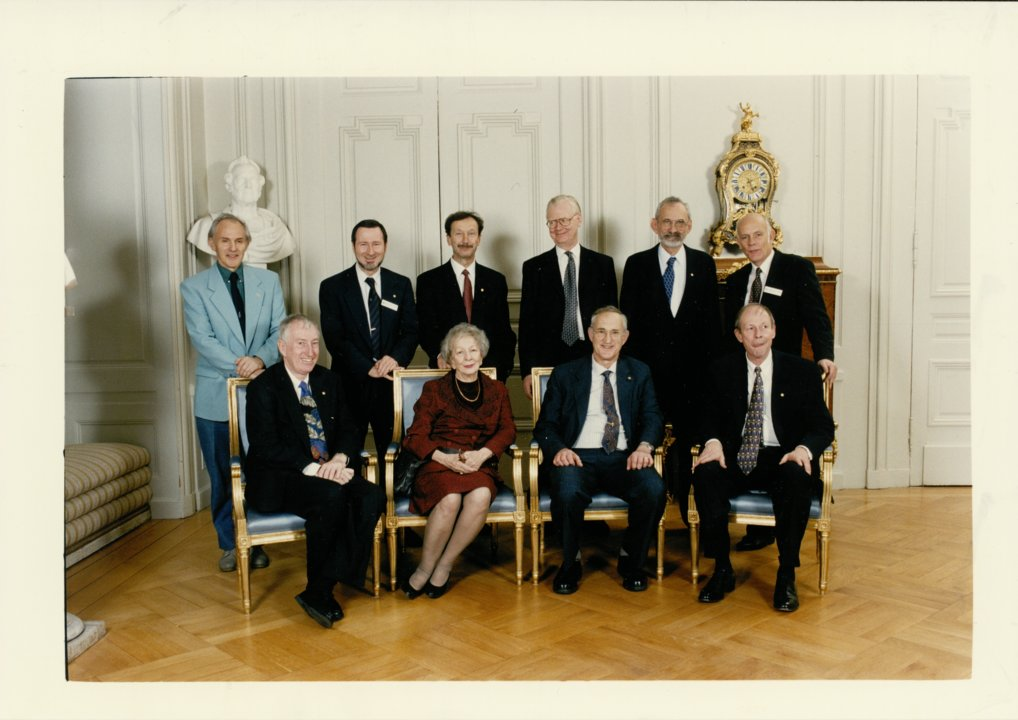 Group photo Nobel Laureates of 1989
