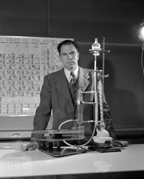 Seaborg in lab