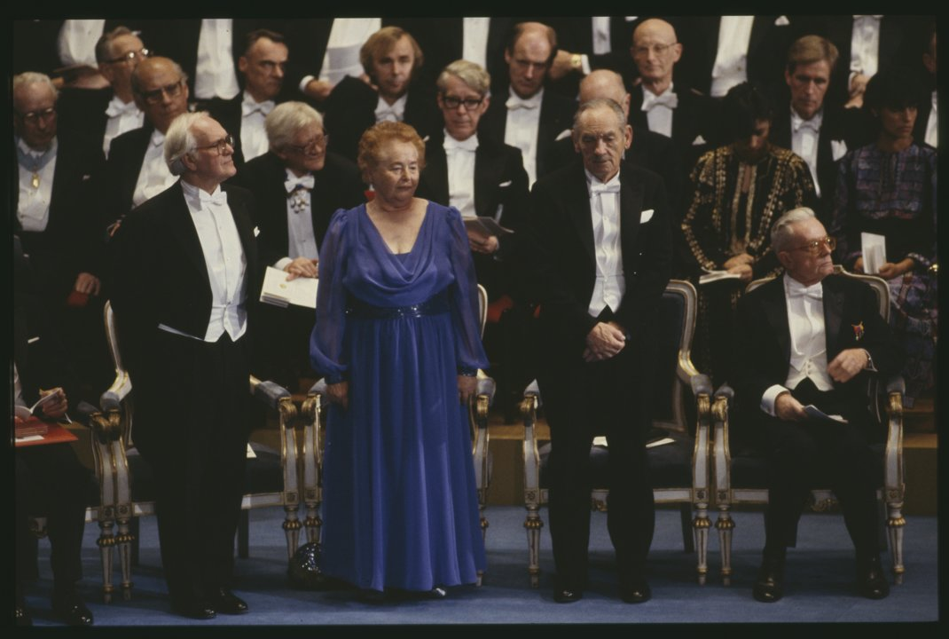 1988 Medicine Laureates on stage J 0001_ 005