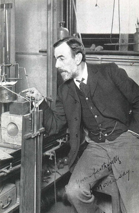 William Ramsay working. Public domain via Wikimedia Commons.