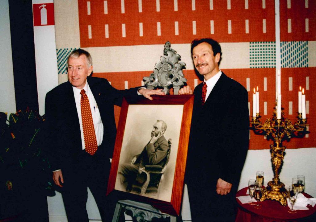 Peter Doherty and Rolf Zinkernagel iPeter Doherty and Rolf Zinkernagel in 1996