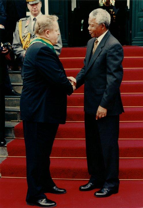 Martti Ahtisaari and Nelson Mandela