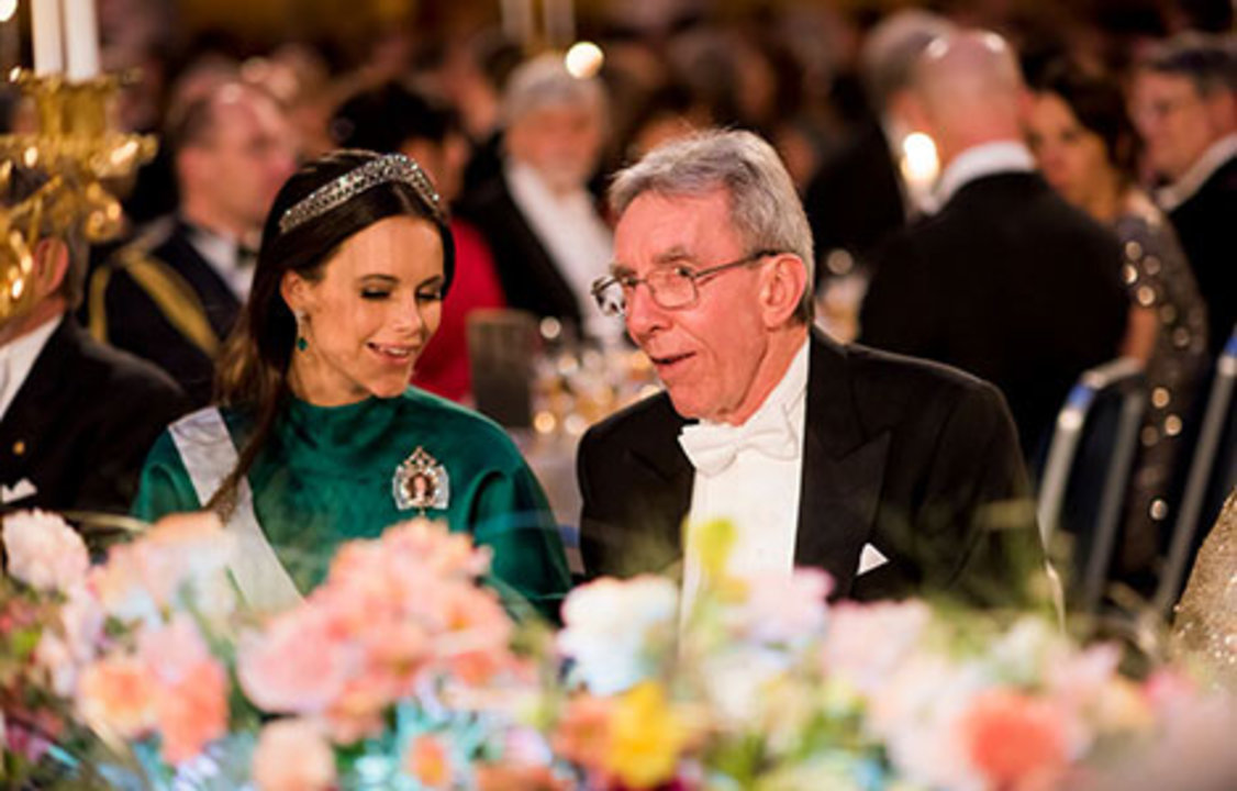 Jean-Pierre Sauvage and Sweden's Princess Sofia at the table of honour at the Nobel Banquet