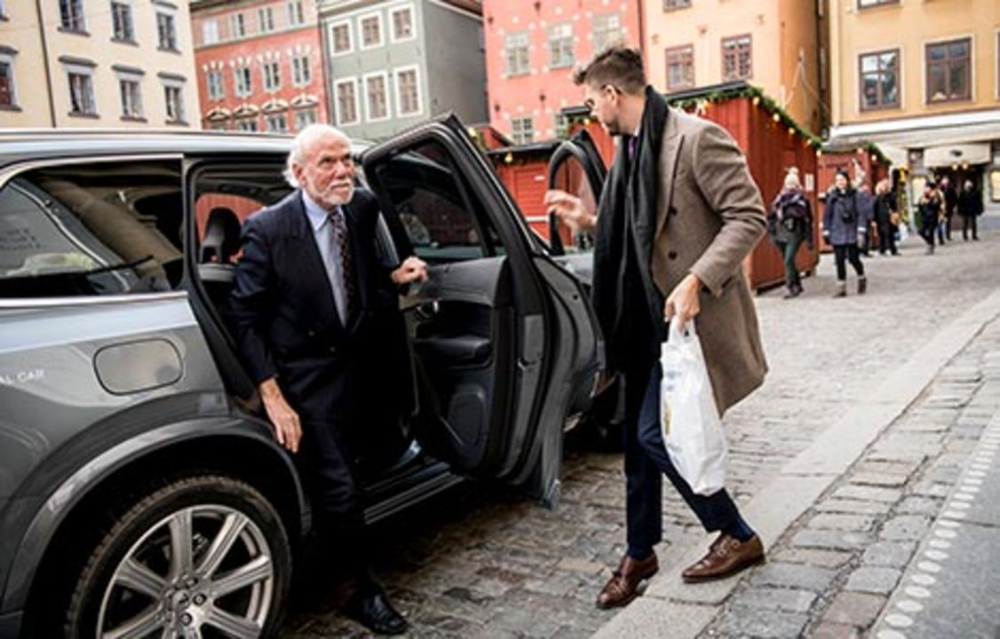 Barry C. Barish arrives at the Nobel Museum
