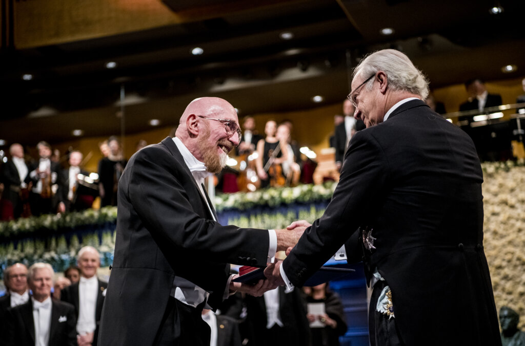 Kip S. Thorne  receiving his Nobel Prize from H.M. King Carl XVI Gustaf of Sweden