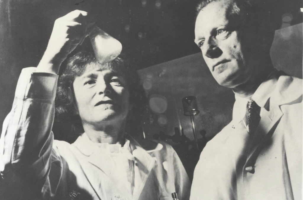 Drs Carl and Gerty Cori in their laboratory at the Washington University School of Medicine in St. Louis, Missouri, 1947
