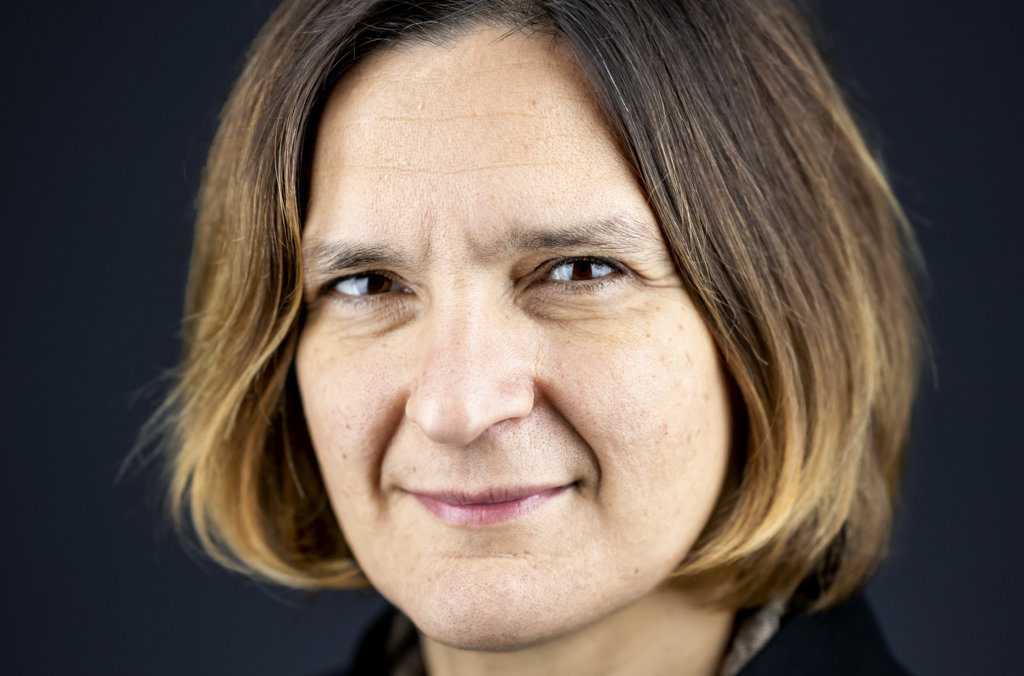 Esther Duflo official Nobel portrait