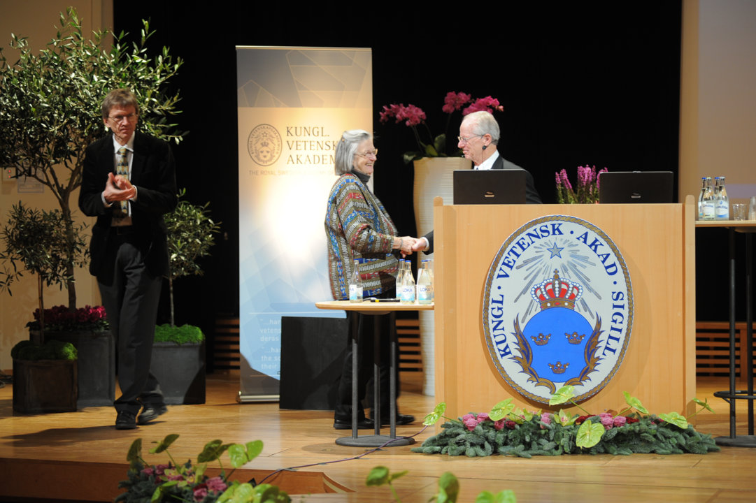 Elinor Ostrom and Oliver Williamson after delivering their Prize Lectures