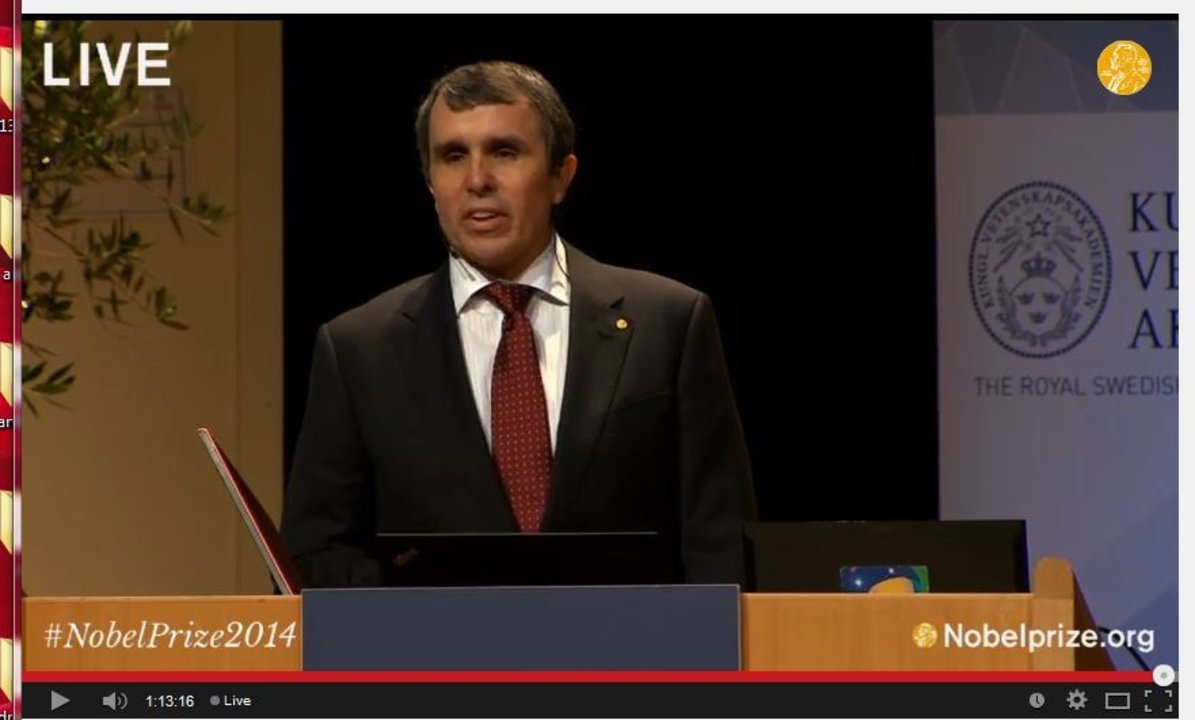 Eric Betzig delivering his Nobel Lecture in the Aula Magna, Stockholm University