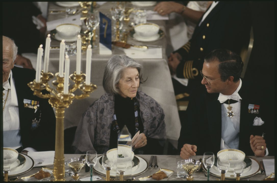 Nadine Gordimer at Banquet D 0045_ 027