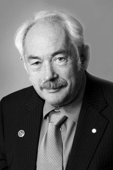 Kết quả hình ảnh cho Peter Grünberg