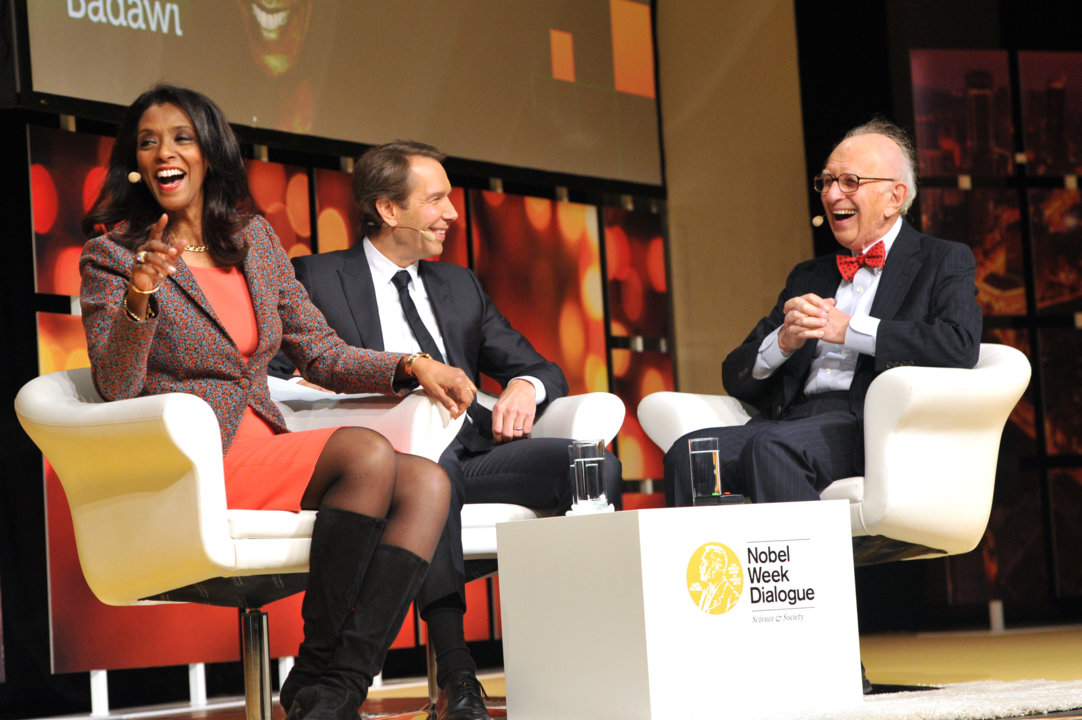 Eric Kandel (right) and Jeff Koons (middle), in a discussion about 'Immortality in Art and Science', during the 2014 Nobel Week Dialogue, on 9 December 2014. To the left: Moderator Zeinab Badawi.