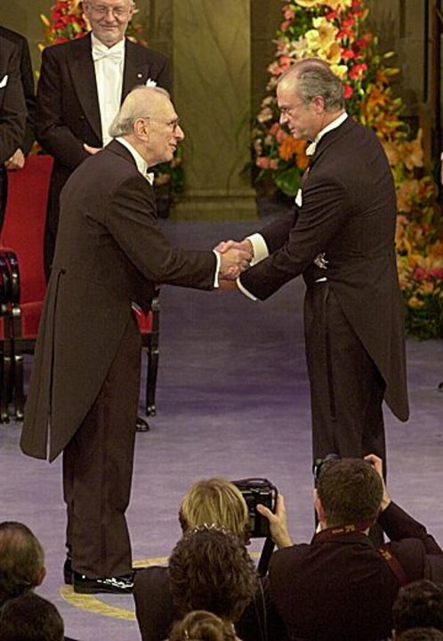 Eric R. Kandel receiving his Nobel Prize  from His Majesty the King at the Stockholm Concert Hall, 2000.
