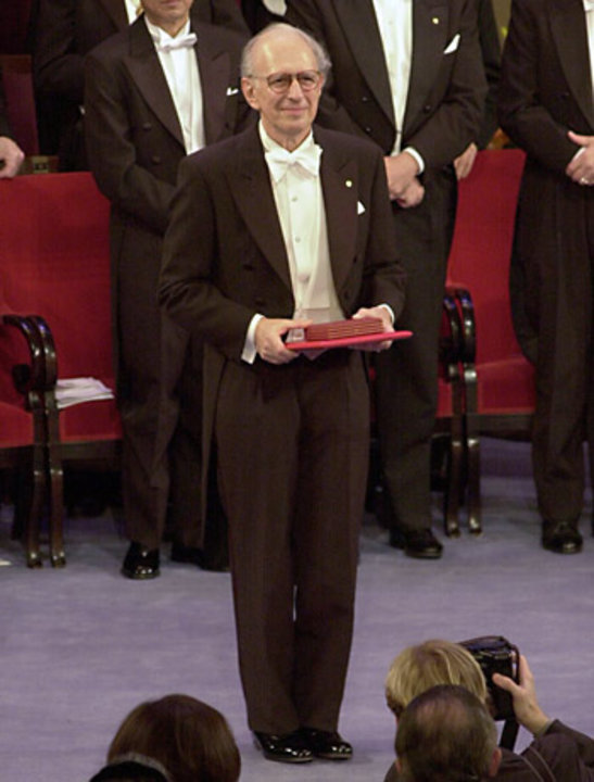 Eric R. Kandel after receiving his Nobel Prize from His Majesty the King at the Stockholm Concert Hall, 2000.
