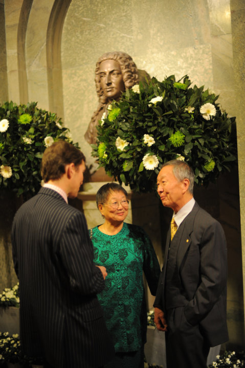 Charles K. Kao and his wife, Mrs May W. Kao, during the reception at the Royal Swedish Academy of Sciences in Stockholm