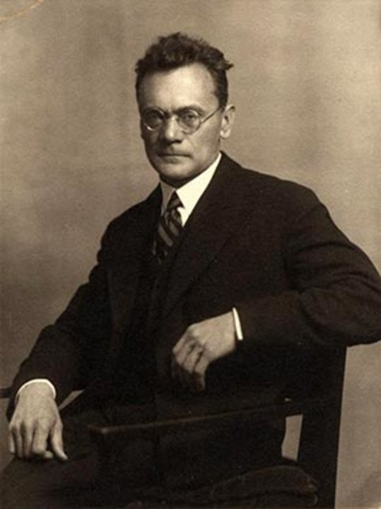 Karl Ritter von Frisch by unknown - Licensed under Public domain via Wikimedia Commons