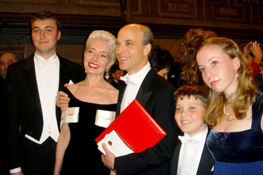 Roger D. Kornberg with family