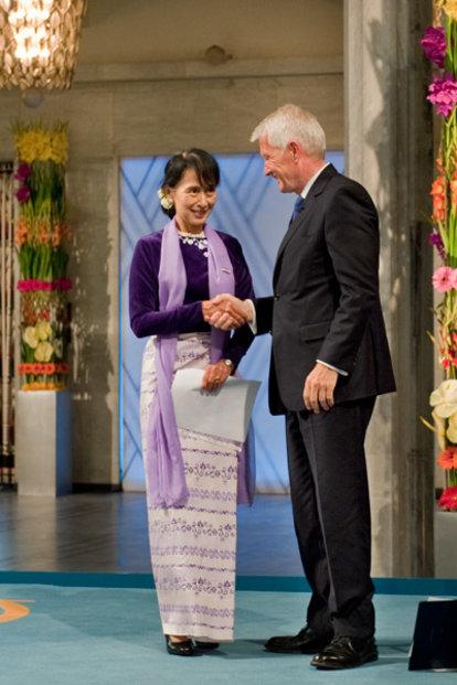 Aung San Suu Kyi and Thorbjørn Jagland, Chairman of the Norwegian Nobel Committee