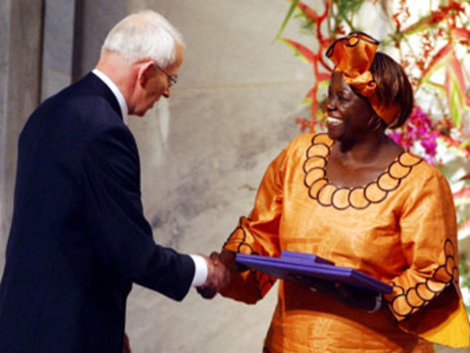 Ole Danbolt Mjøs and Wangari Maathai