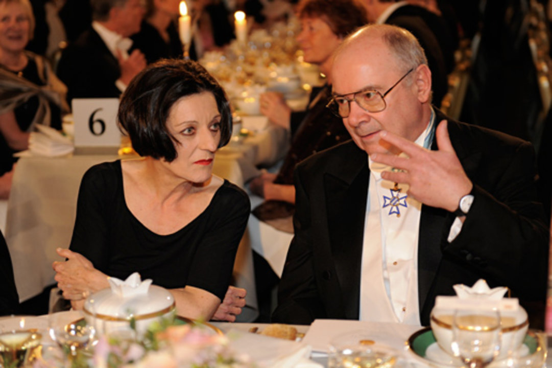 Nobel Laureate Herta Müller in conversation with Dr Johann Deisenhofer