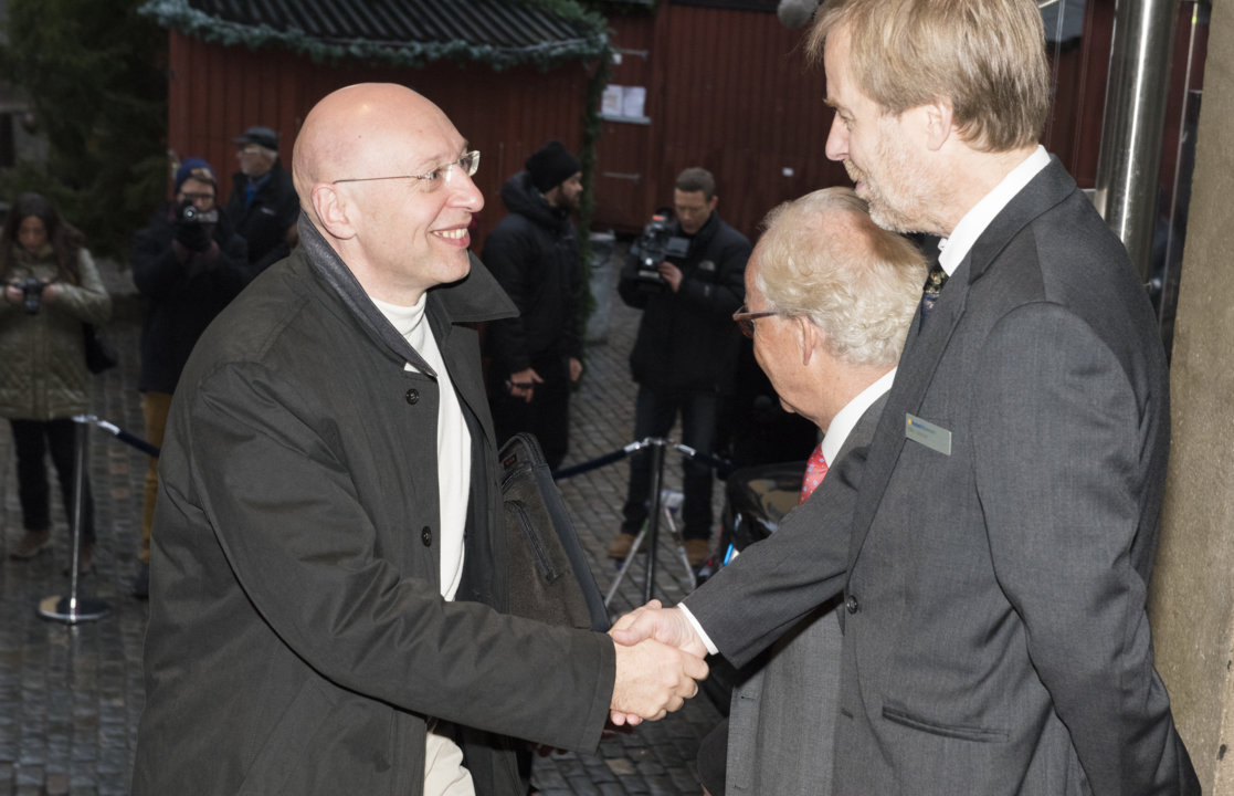 Stefan W. Hell arriving at the Nobel Museum in Stockholm.