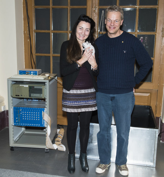 May-Britt and Edvard I. Moser presenting their gift to the Nobel Museum's collection: a grid cells lab, during the 2014 Nobel Laureates' Get together on 6 December 2014.