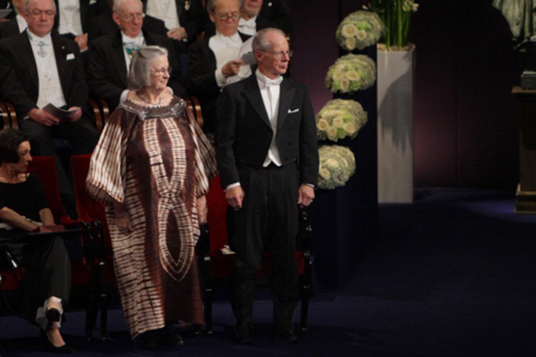 Elinor Ostrom and Oliver E. Williamson at the Prize Award Ceremony