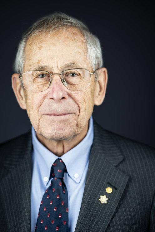James Peebles official Nobel portrait
