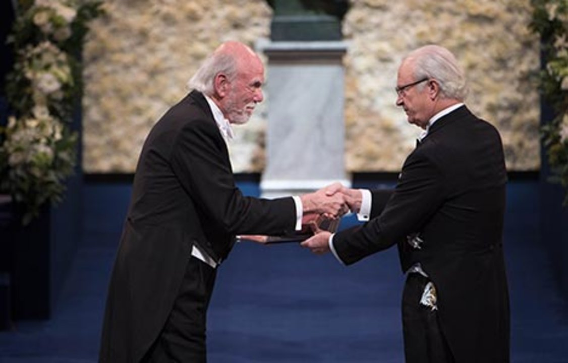 Barry C. Barish receiving his Nobel Prize from H.M. King Carl XVI Gustaf of Sweden