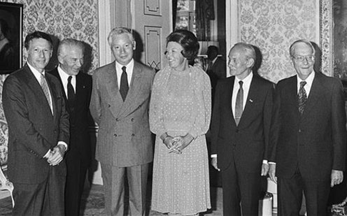 Queen Beatrix of the Netherlands receives Nobel Laureates. [CC BY-SA 3.0 nl (http://creativecommons.org/licenses/by-sa/3.0/nl/deed.en)], via Wikimedia Commons
