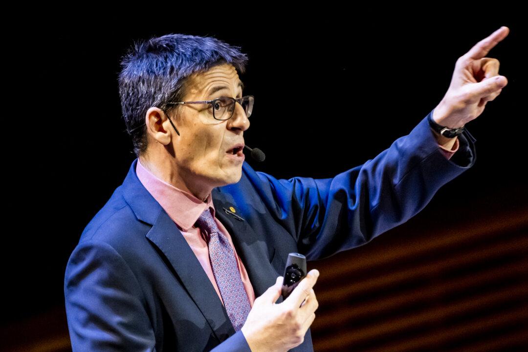 Didier Queloz delivering his Nobel Lecture