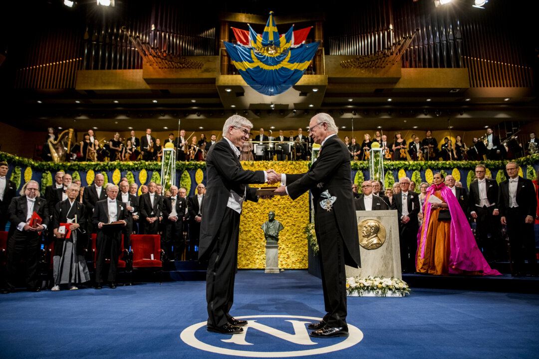 Paul M. Romer receiving his Prize