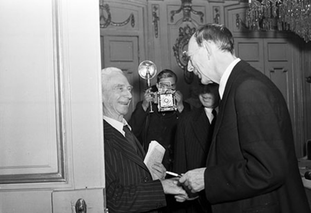 Bertrand Russell in conversation with Swedish Prince Wilhelm