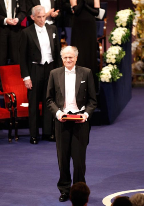 Thomas J. Sargent after receiving his Prize at the Stockholm Concert Hall