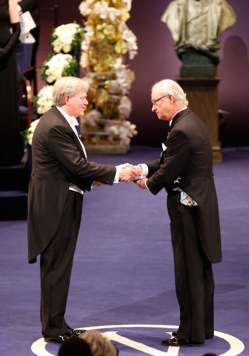 Brian P. Schmidt receiving his Nobel Prize from His Majesty King Carl XVI Gustaf