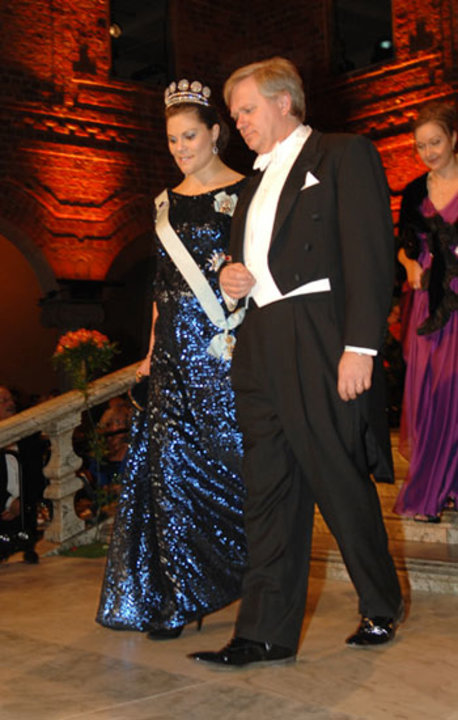 Brian P. Schmidt arrives at the Nobel Banquet accompanied by Crown Princess Victoria of Sweden.