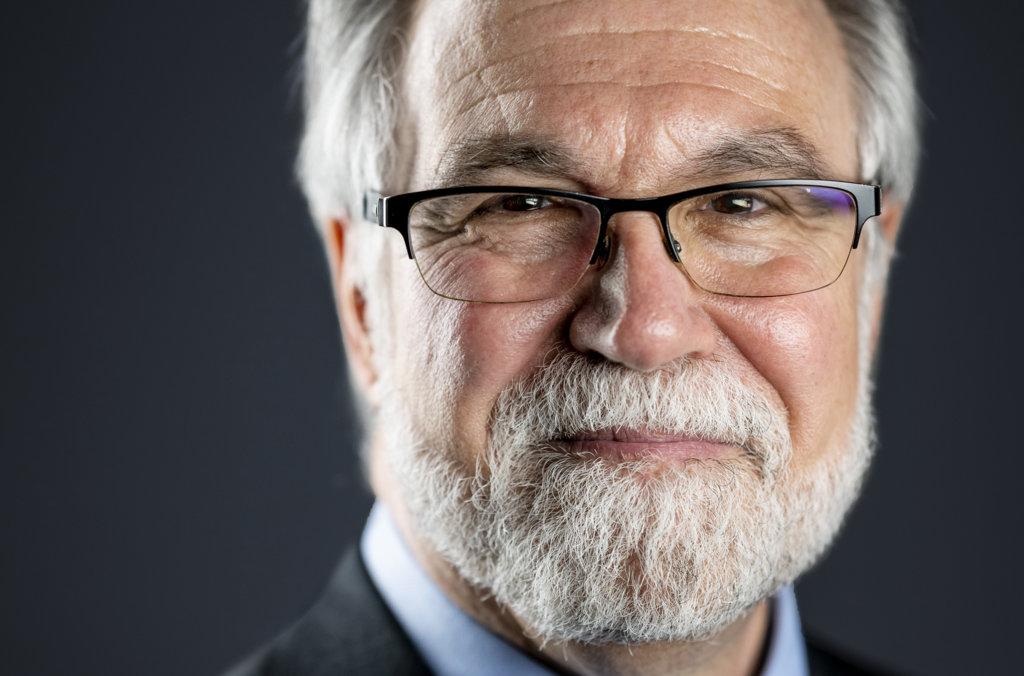Gregg Semenza official Nobel portrait