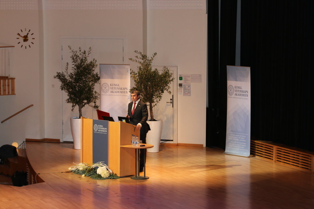 Eric Betzig delivering his Nobel Lecture.