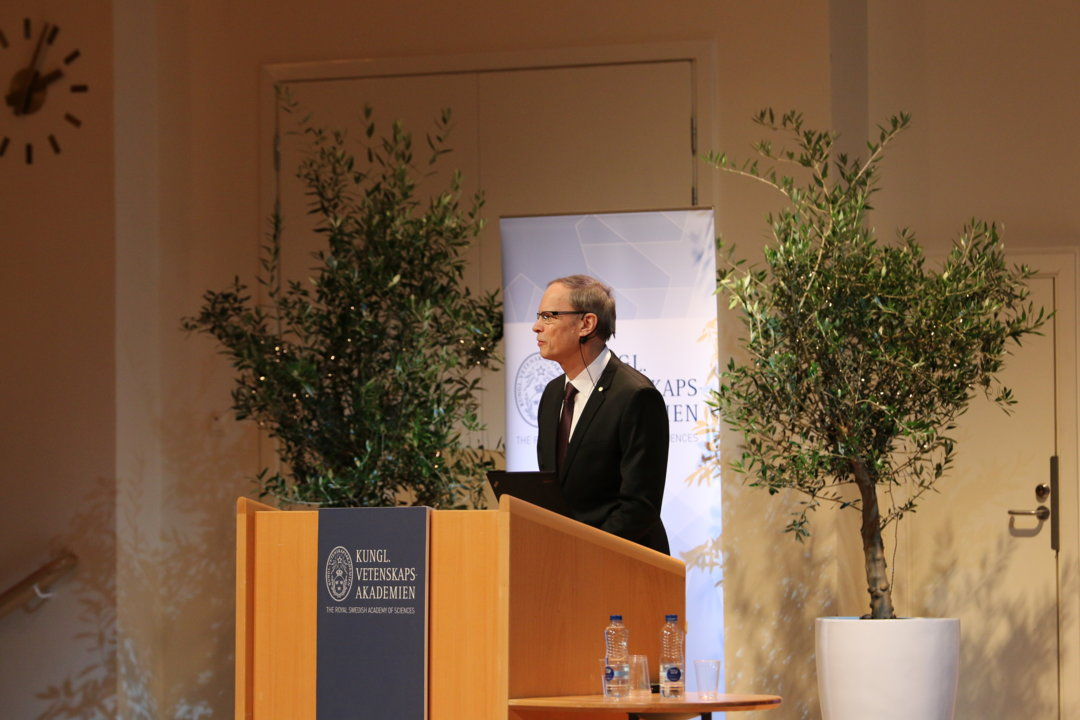 Jean Tirole delivering his Prize Lecture