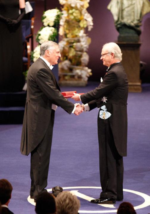 Dan Shechtman receiving his Nobel Prize from His Majesty King Carl XVI Gustaf