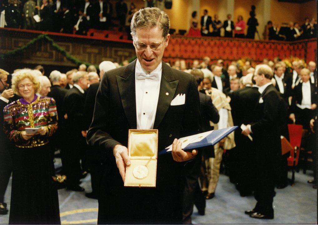 Joseph H. Taylor Jr. showing his Nobel Medal