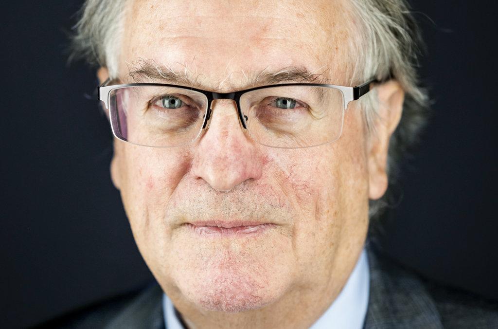 Stanley Whittingham official Nobel portrait