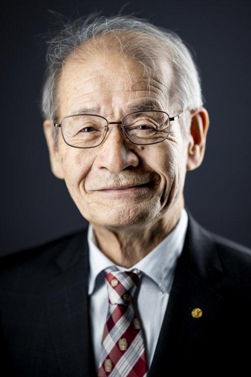 Akira Yoshino official Nobel portrait