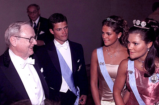 Nobel Laureate in Physiology or Medicine Arvid Carlsson, Prince Carl Philip, Princess Madeleine and Crown Princess Victoria at the Nobel Banquet in the Stockholm City Hall.