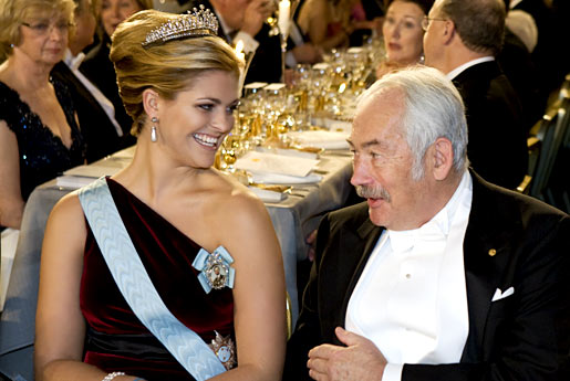 Peter Grünberg conversing with Princess Madeleine of Sweden at the Nobel Banquet