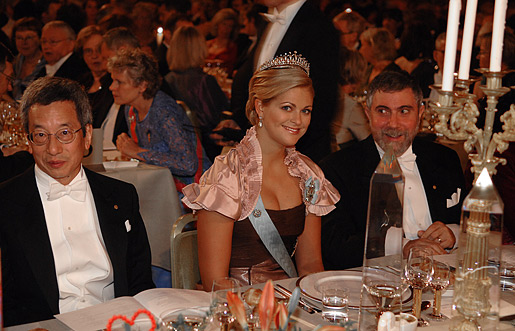 Seated at the table of honour are (from left to right): Nobel Laureate in Chemistry Roger Tsien, Princess Madeleine and Laureate in Economic Sciences Paul Krugman.