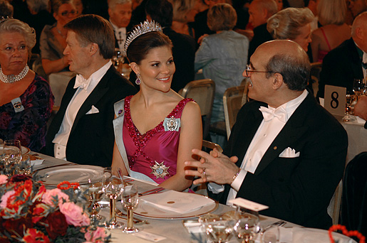 Crown Princess Victoria in conversation with Martin Chalfie at the table of honour