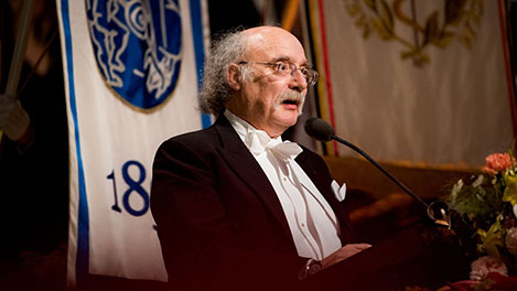 F. Duncan M. Haldane delivering his banquet speech.