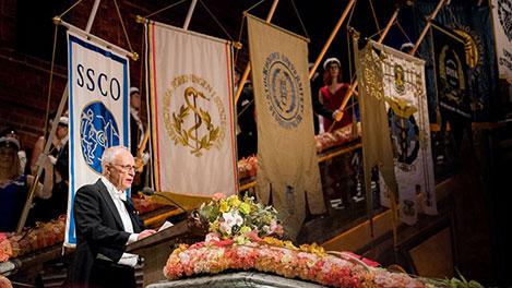 Oliver Hart delivering his banquet speech